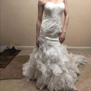 David's Bridal Strapless Wedding Dress